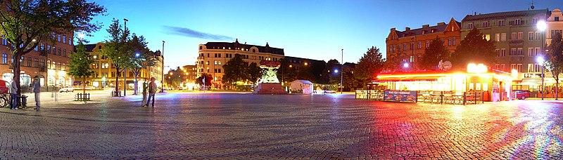 Fil:Möllevångstorget in Malmö, Sweden.jpg