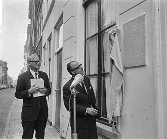 Maatschappij der Nederlandse Letterkunde - Memorial stone in Leiden (1966)