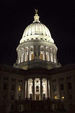 Wisconsin State Capitol by night