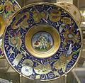 Maestro giorgio di gubbio, piatto con putto davanti a un altare, 1524.JPG