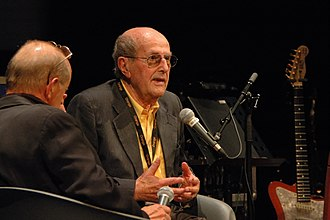 Manoel de Oliveira - Oliveira answering Antonio Tabucchi at the Cinémathèque Française on July 3, 2008