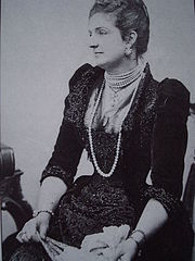 Queen of Italy, Margherita of Savoy, owned one of the most famous collection of natural pearls