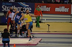 Mens Shot Put (33371677358).jpg