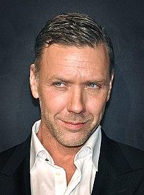 Mikael Persbrandt, skådespelare.jpg