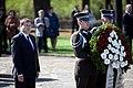 Ministru prezidents Valdis Dombrovskis piedalās svinīgajā vainagu nolikšanas ceremonijā Rīgas Brāļu kapos, atzīmējot Nacisma sagrāves dienu un pieminot Otrajā pasaules karā bojāgājušos (7157190574).jpg
