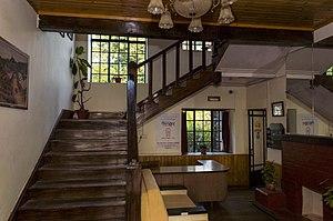 Morgan House, Kalimpong - Image: Morgan House Kalimpong wooden staircase