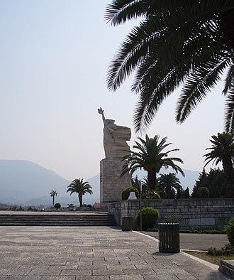 Mother Albania (statue) - Image: Mother Albania Tirana 1