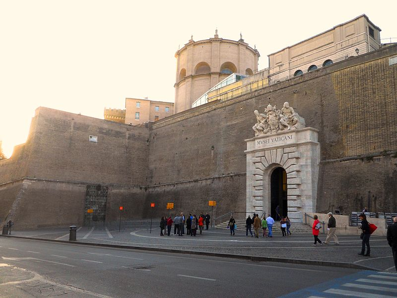 Musei Vaticani - Esterno.JPG