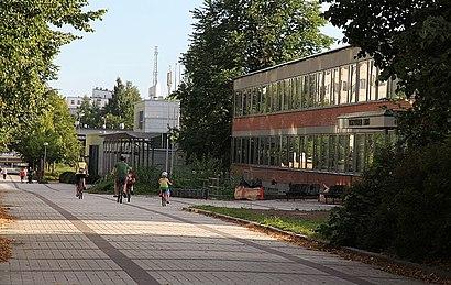 Kuinka päästä määränpäähän Myyrmäki käyttäen julkista liikennettä - Lisätietoa paikasta