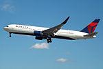 N1605 Boeing 767 Delta (14622915287).jpg