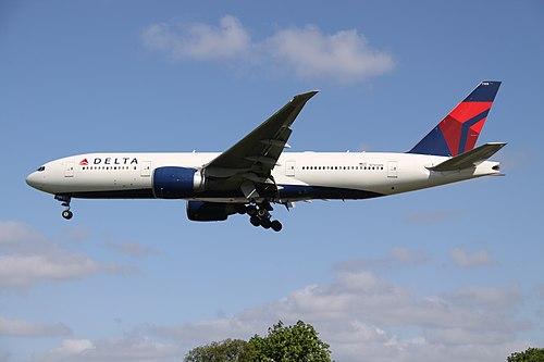 N705DN Boeing 772 DELTA (13895361793).jpg