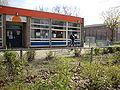 Nijmegen Dukenburg, jongerencentrum De Horizon, Meijhorst, met voetbalkooi.JPG
