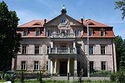 Niwnice Pałac Elewacja frontowa.JPG