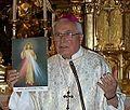 Otec biskup Pavol Maria Hnilica v Trnave.jpg