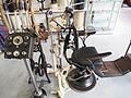 Oude tandartstoel met boren en andere instrumenten pic2.JPG