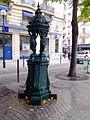 P1050133 Paris XV rue Alain Chartier fontaine Wallace rwk.jpg