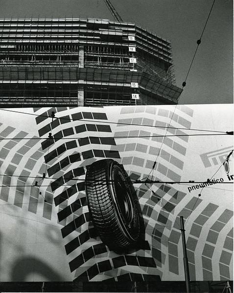 File paolo monti servizio fotografico milano 1958 for Materiale fotografico milano