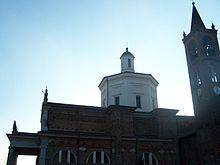 La parrocchia di San Giorgio a Bernate Ticino, vista laterale