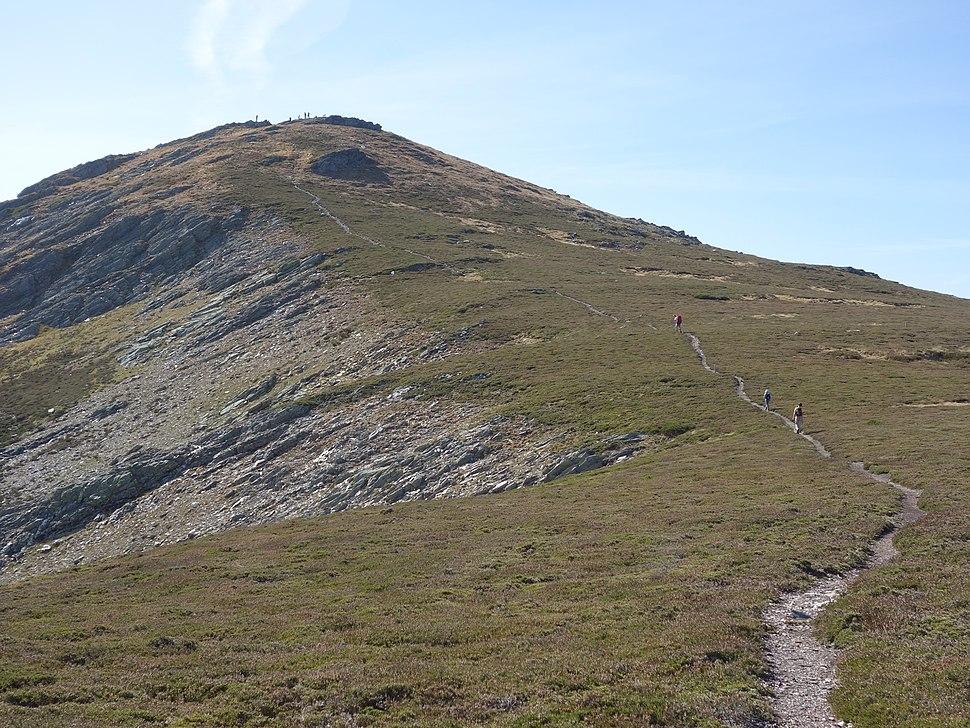 Peña Trevinca vista desde el norte (entre Galicia y Castilla y León)