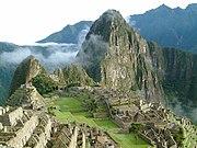 Machu Picchu, considerada actualmente la construcción más representativa del imperio inca, está enclavada en las faldas de dos montañas: el Machu Picchu y el Huayna Picchu. Es una de las pocas construcciones que resistieron intactas el paso de la conquista española por la región.