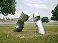 Peter Schwickerath, Plastik Durchdringung 78, Edelstahl 3x3x3m, Düsseldorf.jpg