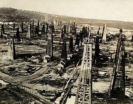 Petroleum field at Moreni.jpg