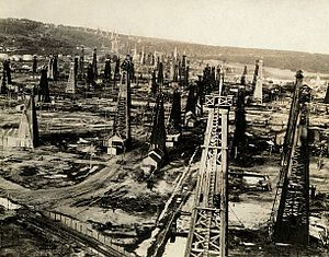 Petrochemical industry in Romania - Petroleum field at Moreni, Romania (1920)