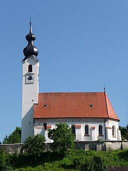 Die Pfarrkirche St. Mariä Himmelfahrt in Perach