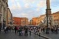Piazza Navona. Sulla destra, fontana dei Quattro Fiumi - panoramio.jpg