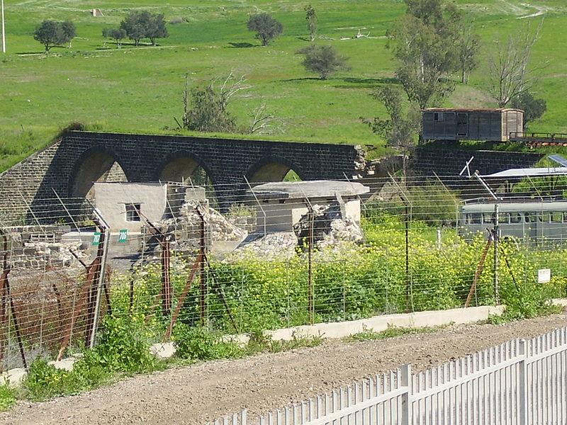 גשר הרכבת הטורקי ליד גשר הישנה