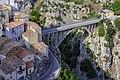 Ponte Pianello con scorcio del paese - Muro Lucano PZ.jpg