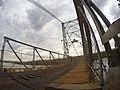 Ponte pensil Affonso Penna, e suas aberturas para ver o rio Paranaíba.jpg