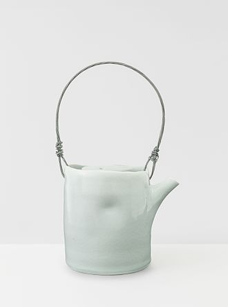 Edmund de Waal - Teapot, 1997 - an early work in porcelain by de Waal