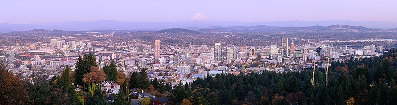 Portland from Pittock Mansion October 2019 panorama 2.jpg