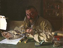 Portrait of Dr Simarro at the microscope.JPG
