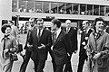 Premiers, politici, aankomst en vertrek, Bestanddeelnr 930-2266.jpg