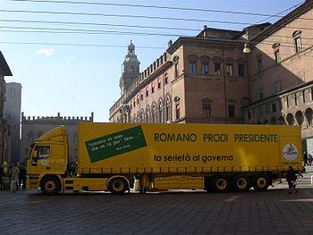 Campagna elettorale 2006, piazza Maggiore, Bologna, febbraio 2006