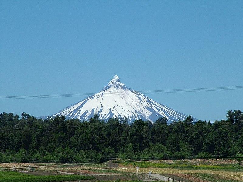 File:Puntiagudo Volcano.jpg