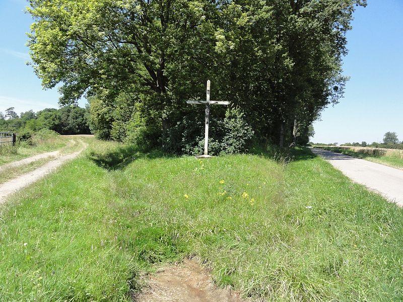 Réclonville (M-et-M) croix de chemin.