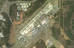 Международный аэропорт Роли Дарем со спутника.png
