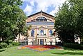 Richard-Wagner-Festspielhaus 2016 (Frontansicht, Sichtachse Siegfried-Wagner-Allee, unverhüllt nach Sanierung).jpg