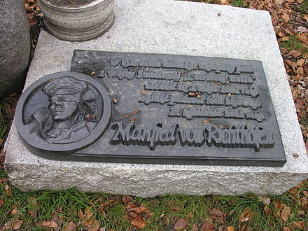 Memorial in Polish at Richthofen's former home in Swidnica (formerly Schweidnitz) Richthofen-pomnik3.JPG