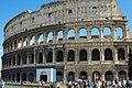 Roma - Colosseo esterno su via dei Fori Imperiali.jpg