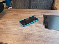Süwex Tisch mit Handy.jpg