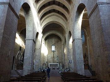 Chiesa di san pietro assisi wikipedia for Interno san pietro