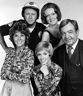 Sandy Duncan (midden), met de acteurs van The Sandy Duncan Show in 1972.