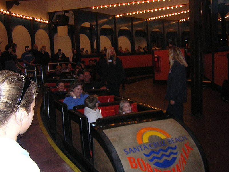 File:SantaCruz BeachBoardwalk GiantDipper trainMidloadDSCN9410.JPG