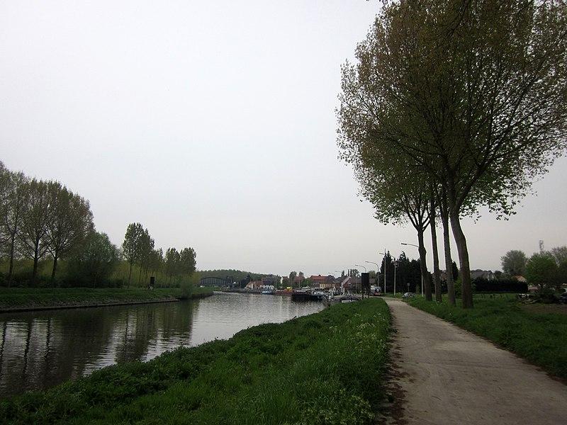 Schelde (Scheldt) river near Bléharies, Brunehaut, België