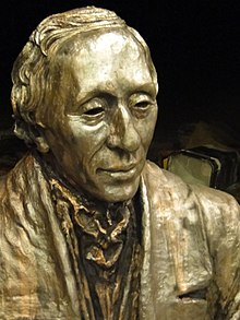 Sculpture of Hans Christian Andersen (portrait).jpg