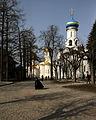Sergijew Possad-10-Dreieinigkeitskathedrale-Ausgiessungskirche-gje.jpg